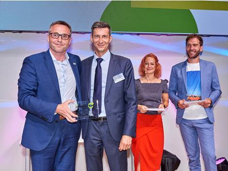 """IVECO BUS si aggiudica il """"Public Transport Innovation Award"""" per i suoi filobus di nuova generazione a emissioni zero!"""